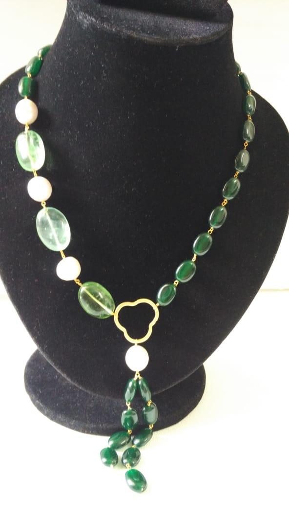 Green beads necklace in golden matt finish