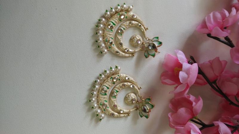 Cream & Gold Meenakari With Kundan Design Chandbali With Pearls