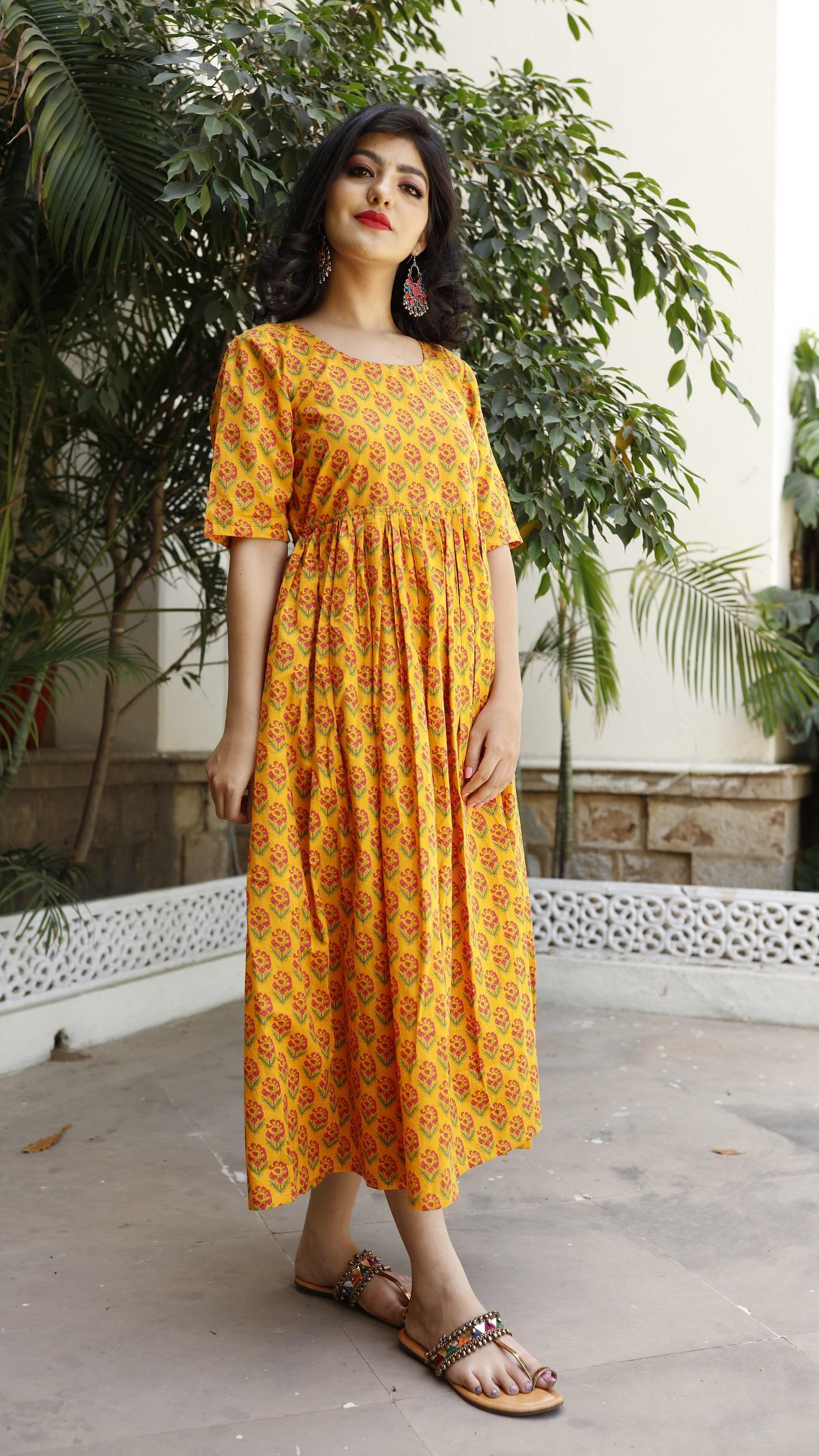 Classy Bagru Backless Maxi Dress