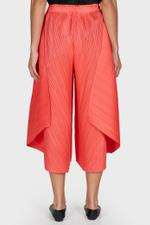 Curved Trousers