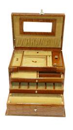 Laveri Jewellery Box Ring Necklace Earring Bracelet Storage Box Leather Multifunction Jewelry Organizer Box BROWN