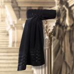 THE ROMAN BATH TOWEL BLACK