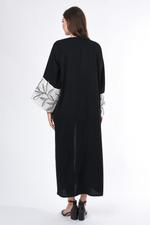 Moistreet Black & White Embroidered Abaya (MOIS3041)